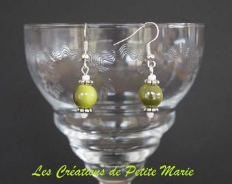 Earrings with pearls adorned with silver spacer flowers iridescent Apple green