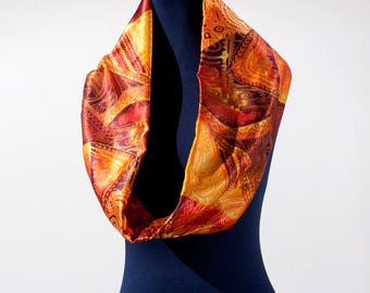 Warm toned patterned infinity scarf loop scarf