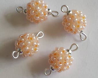 4 pearls rocaille connectors (2.5 mm) Pearl salmon