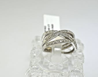 14k White Gold and Diamond Ring. Size 6.5