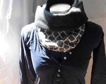 Reversible snood neck