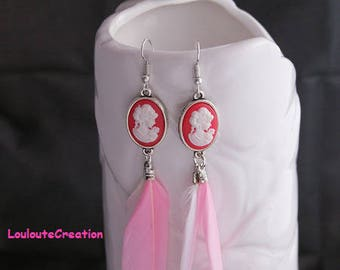 Pair of earrings feathers and cameo