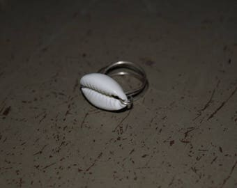 Cowrie Ring, size 8 , handmade ring