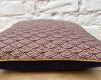 Japanese print cushion 40 x 40 cm