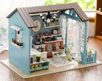 Country Living Miniature Dollhouse
