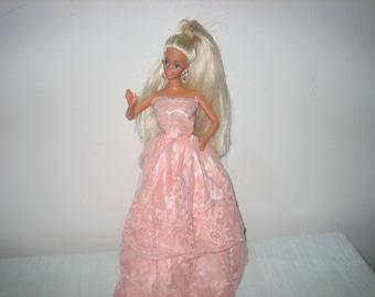 1976 TNT Barbie Platinum Blonde Blue Eyes - Vintage 1970s Barbie - Twist And Turn Barbie Dolls 1976
