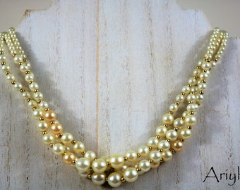 Vintage triple strand pearl bead necklace