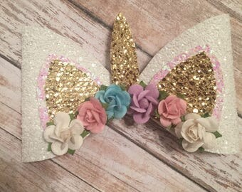 Large Unicorn bow (Color of Flowers may vary depending on availability)
