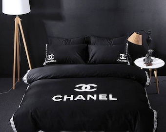 Black bedding set