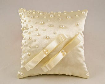 Wedding ring pillow, Pillow with pearls, Ivory ring pillow, Wedding pillow, Ring cushion, Bridal ring pillow, Ivory cushion, Bridal cushion
