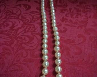 "Vintage 18"" light pink faux pearl necklace"