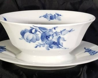 Royal Copenhagen BLUE FLOWERS Angular Gravy Boat & Fixed Underplate 8631