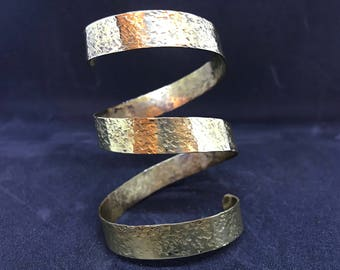 Wonderful adjustable spiral cuff