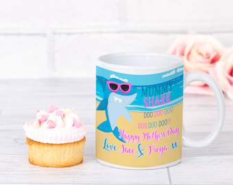 Personalised mummy shark mug, mummy shark, mothers day mug, any occasion. Mummy Shark doo doo doo,moms day