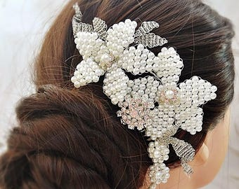 Pearl hair comb, wedding headpiece, pearl wedding comb, pearl headpiece, floral hair comb, wedding brooch comb, boho hair comb
