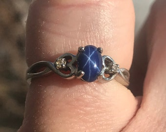 Vintage 1980's Star Sapphire in White Gold Ring