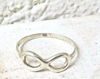 Hand crafted Sterling Silver infinity ring