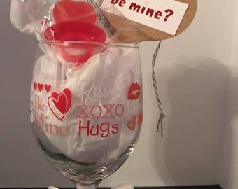 Hugs and Kisses Wine Glass