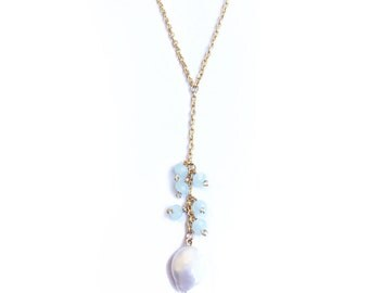 Necklace pearl with cristals
