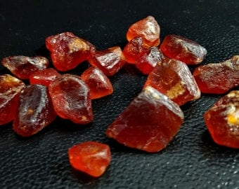 101.05 Unheated & Natural Red Garnet Rough Stone