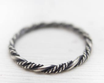Sterling Silver Ring - Oxidized Ring - Twisted Band - Twisted Ring - Wire Ring - Minimalist Ring - Simple Ring - Rustic Ring