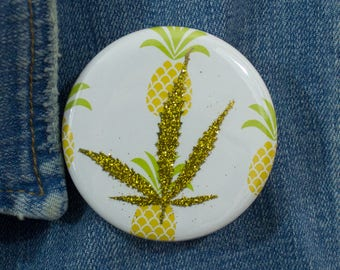 Glod Glitter Pressed Cannabis Leaf Button
