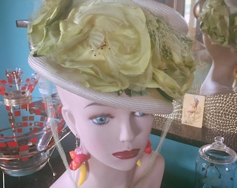 Vintage 1940s Hat green floral Swing Rockabilly Old Hollywood Glam Burlesque 40s 1950s 50s