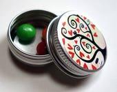 Pill box, red hearts PIL001 tree