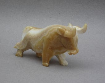Vintage Carved Marble Bull Figurine Taurus Stock Market Stone Carving Bull Paperweight Zodiac Astrology