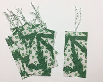 12 Christmas tree glitter tags with twine
