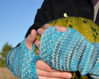 First Fall Sale - 15% Off Linen Stitch Fingerless Mitts - Wintermitts in Blues. Hand Knit for Your Handmade Fall Wardrobe. 100 Percent Wool