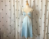 Vintage Baby blue Full Slip, Lace Trim, Mid Century, Mad Men, Pin Up, Vanity Fair, Size 36, large