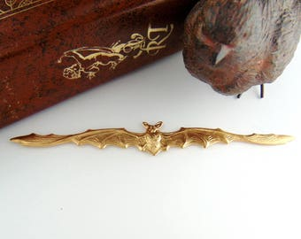 BRASS Large Gothic Bat In Flight Bat Stamping ~ Jewelry Ornamental Findings ~ Brass Stamping (C-507)