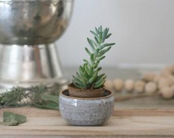 Small Handmade Ceramic Dish/Trinket Bowl/Pottery/Pot/Glazed/Planter