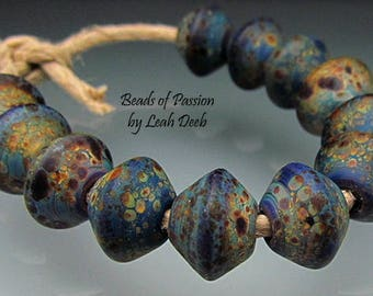 Artisan Glass Beads of Passion Leah Deeb Lampwork - 12 Tie Dye Speckled - Bicones