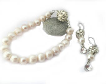 Bride Pearl Set, SET Brides Ivory Freshwater Pearl  Bracelet and Earrings , Bridesmaid Gifts Jewellery