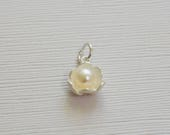 Sterling Silver Freshwater Pearl Flower Pendant - T1-P8