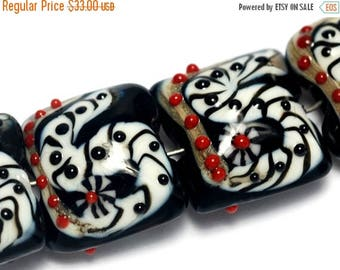 ON SALE 35% OFF Four Dakota Quilt Pillow Beads - 10205314 Glass Lampwork Bead Set
