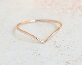 ROSE gold chevron ring. ONE stacking ring. minimalist ring. dainty. slim skinny rose gold filled ring. stack ring. stackable ring. rose band