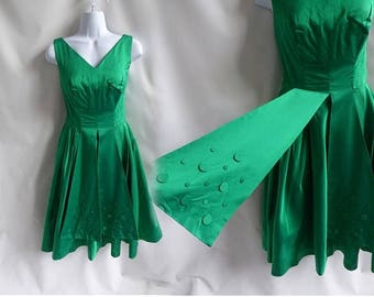 Vintage 50s Dress size M Emerald Green satin Cocktail Cupcake Bombshell Peplum