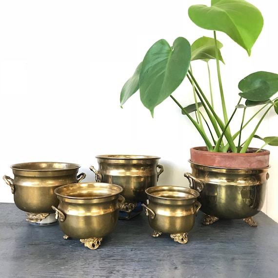 vintage brass planters - solid metal plant pots - gold boho decor - Hollywood Regency - Set of 5