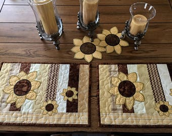Quilted Placemats . . . Applique SUNFLOWERS . . . Golden Yellow and  Brown . . . Mid Summer Blooms