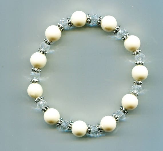 cream white beaded bracelet stretch acrylic glass clear bead boho hippy gypsy handmade jewelry