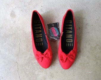 Vintage Slip On BOW Flats 80s Red Canvas Sandals Preppy Canvas Shoes Gitanoe Bow Flats Minimal Red Shoes Ruby Red Slippers Womens 8