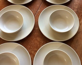 Vintage Heath Ceramics Bowls and Dinner Plates, Linen, Set of Twelve pieces (6 Bowls/ 6 Dishes)