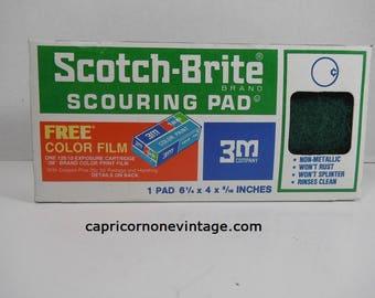 Vintage Scotch Brite Scouring Pad in Box 1970s Kitchen Decor Sponge Vintage 3M Vintage Packaging NOS Movie Prop Made in USA Color Film Offer