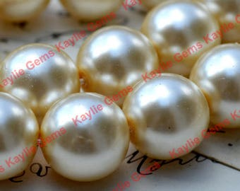Vintage 14mm Round Glass Pearl Creamy Ivory 6pcs  - Made in Japan