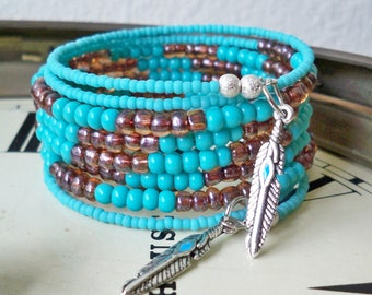 Wrap Bracelet with Turquoise & brown seed beads - Feather charm - Boho chic - Bohemian bracelet - Memory wire - bycat