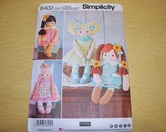 New Simplicity Stuffed Doll Pattern 8402 (Free US Shipping)