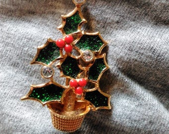 Avon Christmas Tree Rhinestone Brooch Green Enameled Holiday Pin